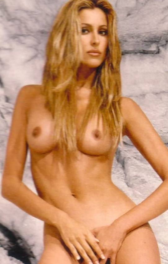 volpe nude adriana pussy